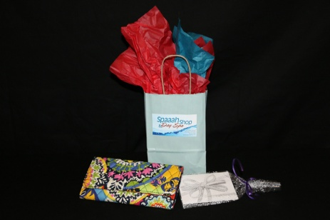Vera Bradley trifold wallet and gift certificate by Spaah Shop